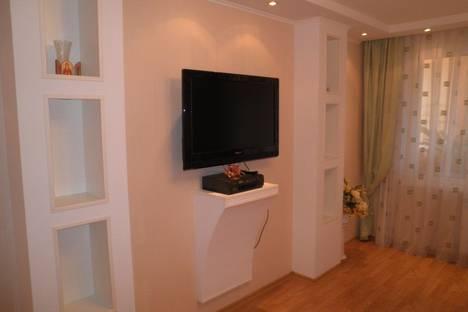 Сдается 1-комнатная квартира посуточно, Ялтинская 1.