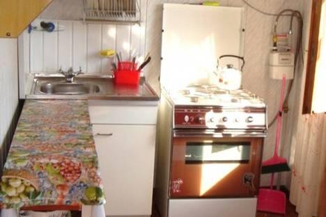 Сдается 3-комнатная квартира посуточно в Алуште, Партенит, ул. Солнечная,10.