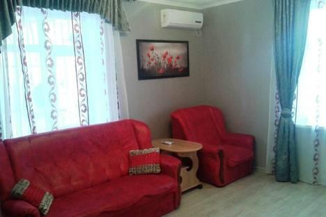 Сдается 1-комнатная квартира посуточно в Алуште, ул. Пионерская 13.