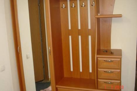 Сдается 3-комнатная квартира посуточно в Алуште, Хмельницкого 17.