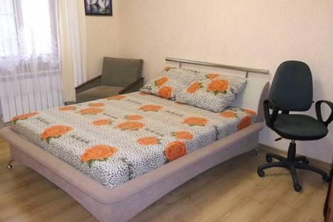 Сдается 2-комнатная квартира посуточно в Алуште, Октябрьская.