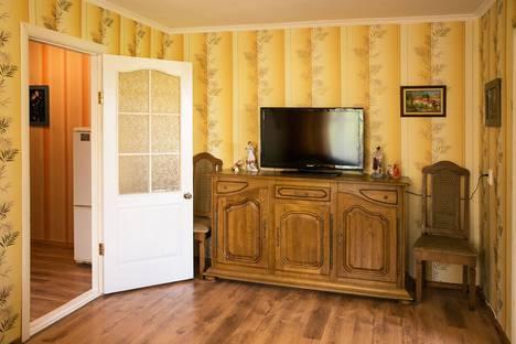 Сдается 2-комнатная квартира посуточно в Орджоникидзе, Нахимова 25.