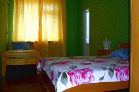 Сдается 5-комнатная квартира посуточно в Судаке, ул. Пушкина 14.