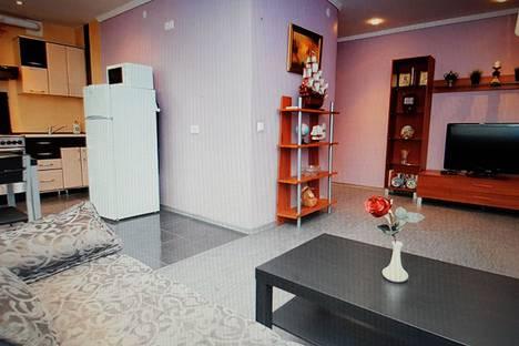 Сдается 3-комнатная квартира посуточно, ул. Федько 1А.