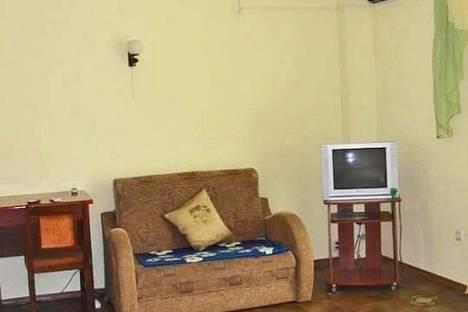 Сдается 5-комнатная квартира посуточно в Феодосии, Черноморская наб. 1.