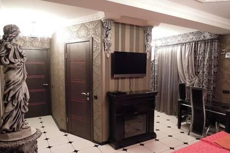 Сдается 2-комнатная квартира посуточно в Симферополе, бул. Ленина 15.