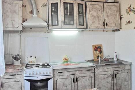 Сдается 3-комнатная квартира посуточно в Феодосии, переулок Шаумяна 3.