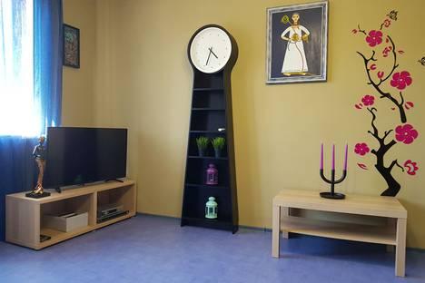 Сдается 2-комнатная квартира посуточно в Коктебеле, ул. Ленина, 123а.