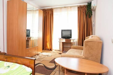 Сдается 1-комнатная квартира посуточно в Симферополе, ул. Куйбышева 29.