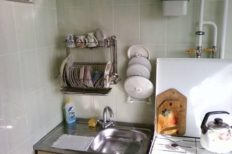 Сдается 3-комнатная квартира посуточно в Керчи, ул. Орджоникидзе 117.