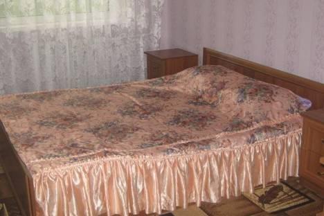 Сдается 3-комнатная квартира посуточно в Симферополе, ул. Куйбышева 13.