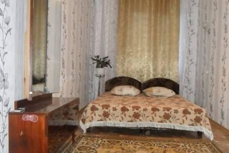 Сдается 2-комнатная квартира посуточно в Феодосии, п.Щебетовка 35.