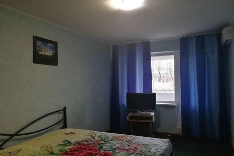 Сдается 2-комнатная квартира посуточно в Керчи, ул. Юных Ленинцев 3.