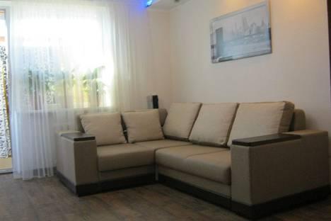 Сдается 2-комнатная квартира посуточно в Симферополе, Киевская ул. 135.