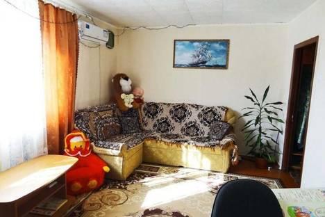 Сдается 2-комнатная квартира посуточно в Феодосии, Крымская улица 27.