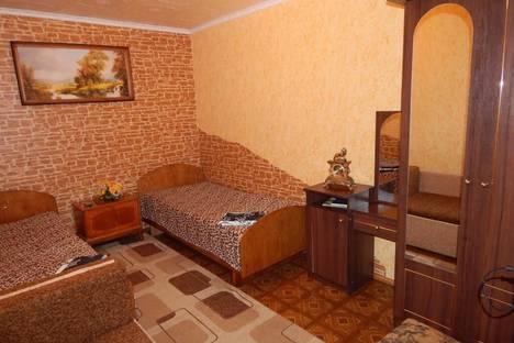 Сдается 2-комнатная квартира посуточно в Алуште, ул. Карла Маркса 7/6.