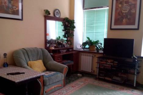 Сдается 2-комнатная квартира посуточно в Керчи, 12/4 улица Айвазовского.