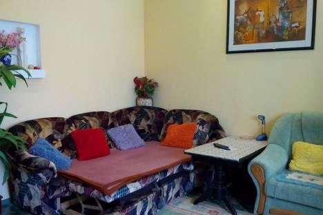 Сдается 2-комнатная квартира посуточно в Керчи, улица Петра Алексеева,10.