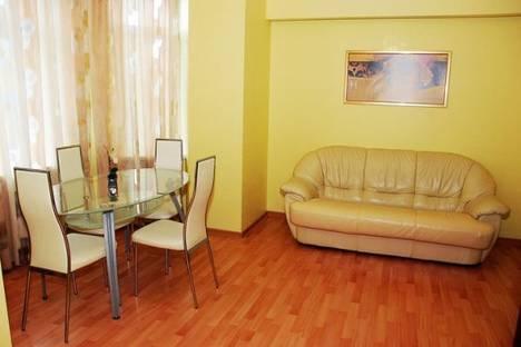 Сдается 2-комнатная квартира посуточно в Донецке, Университетская, 34.