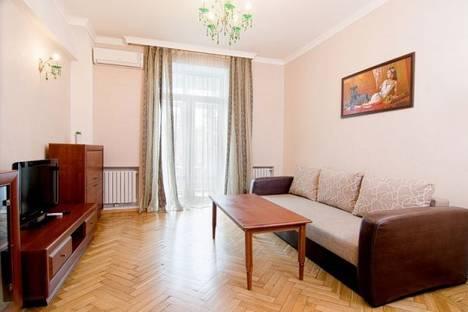 Сдается 2-комнатная квартира посуточно в Донецке, Университетская, д.26.