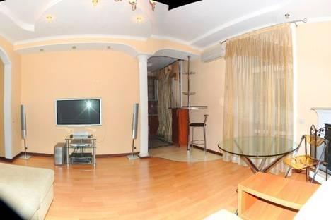 Сдается 3-комнатная квартира посуточнов Донецке, Щорса, 9.