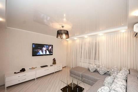 Сдается 3-комнатная квартира посуточнов Донецке, Ильича просп., 29.