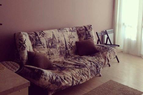 Сдается 1-комнатная квартира посуточнов Сочи, ул. Грибоедова, 10.