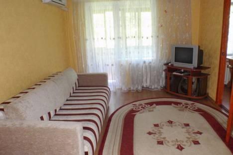 Сдается 2-комнатная квартира посуточно в Донецке, Конституции, 4.