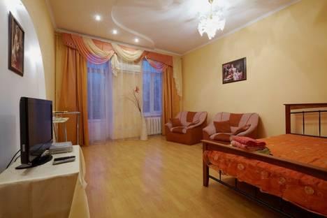 Сдается 2-комнатная квартира посуточно в Львове, пл. Осьмомысла 4.