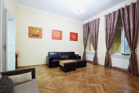 Сдается 3-комнатная квартира посуточно в Львове, Тиктора 10.