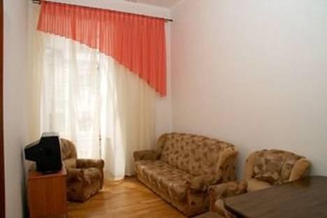 Сдается 2-комнатная квартира посуточно в Львове, Свободы, 1/3.