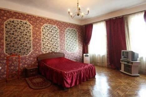 Сдается 4-комнатная квартира посуточно в Львове, пр. Шевченка 6.