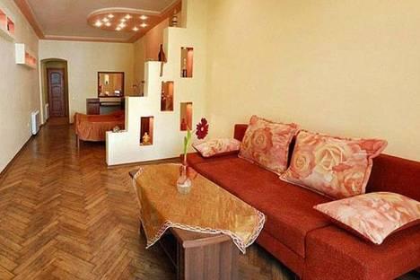 Сдается 1-комнатная квартира посуточно в Львове, пл. Рынок 7.