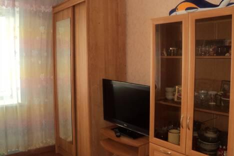 Сдается 1-комнатная квартира посуточно в Яровом, Б квартал, 33.