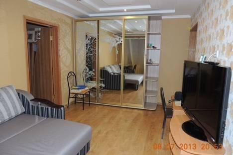 Сдается 2-комнатная квартира посуточно в Алуште, 50 лет Октября,14.