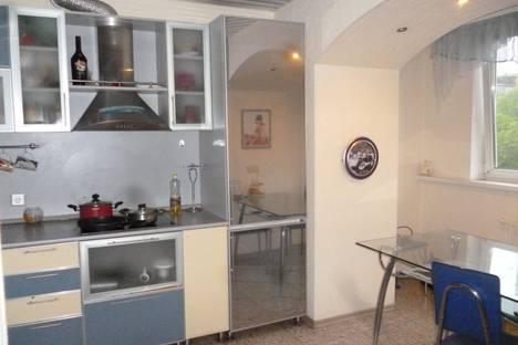 Сдается 2-комнатная квартира посуточново Владивостоке, ул. Фирсова, 8б.