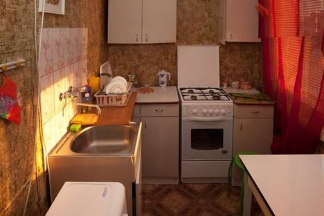 Сдается 3-комнатная квартира посуточнов Санкт-Петербурге, Северный проспект, 77 к4.