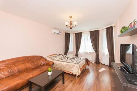 Сдается 1-комнатная квартира посуточнов Кстове, ул. Карла Маркса, 56.