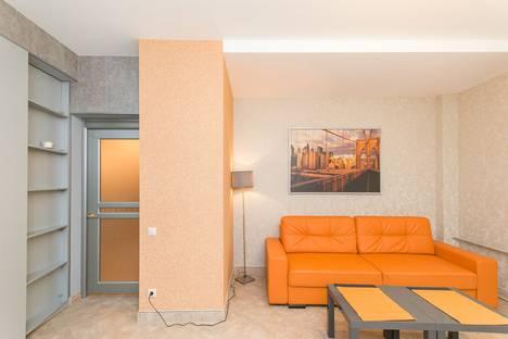 Сдается 2-комнатная квартира посуточно в Нижнем Новгороде, ул. Алексеевская, 24а.