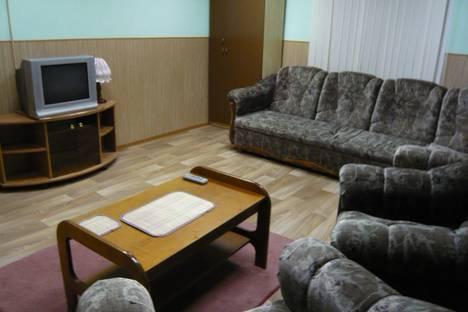 Сдается 2-комнатная квартира посуточно в Северодвинске, проспект Ленина, 19.