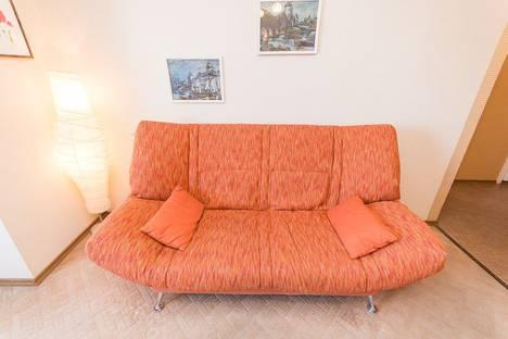 Сдается 1-комнатная квартира посуточно в Нижнем Новгороде, ул. Максима Горького, 142.