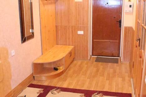Сдается 4-комнатная квартира посуточнов Ильичёвске, переулок Некрасова 8.