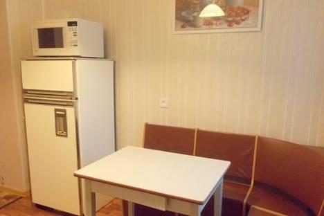Сдается 2-комнатная квартира посуточно в Сыктывкаре, ул. Коммунистическая, 88.