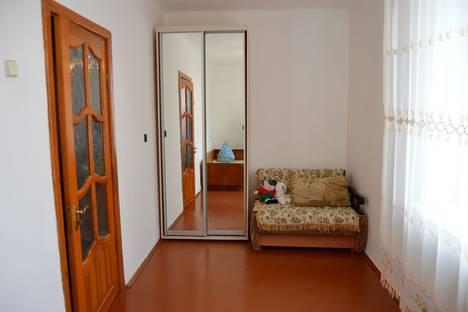Сдается 2-комнатная квартира посуточно, ул. Софьи Перовской 44.
