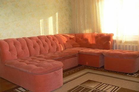 Сдается 1-комнатная квартира посуточнов Угловом, просп. Октябрьской Революции 22.
