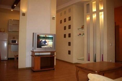 Сдается 2-комнатная квартира посуточно в Харькове, ул. Ольминского 4.