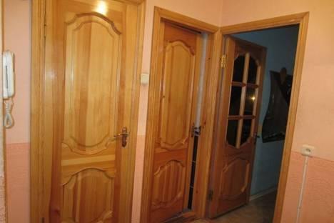Сдается 2-комнатная квартира посуточно в Харькове, ул. Гвардейцев Широнинцев 40.