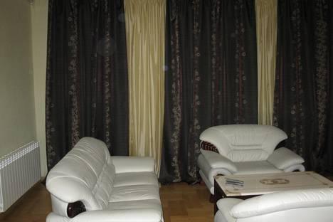 Сдается 3-комнатная квартира посуточно в Севастополе, ул. Ленина 16.