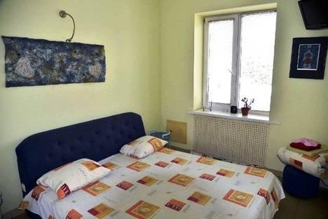 Сдается 3-комнатная квартира посуточно в Харькове, улица Петровского 38.