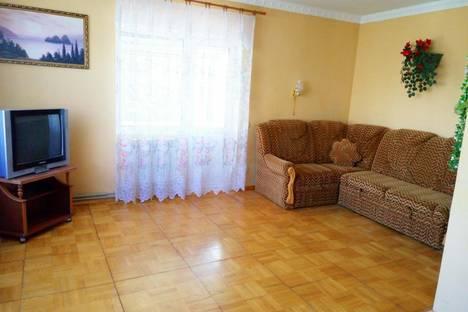 Сдается 5-комнатная квартира посуточно в Севастополе, улица Нефедова 30.